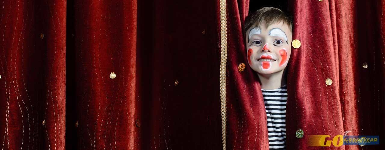 Criança no teatro