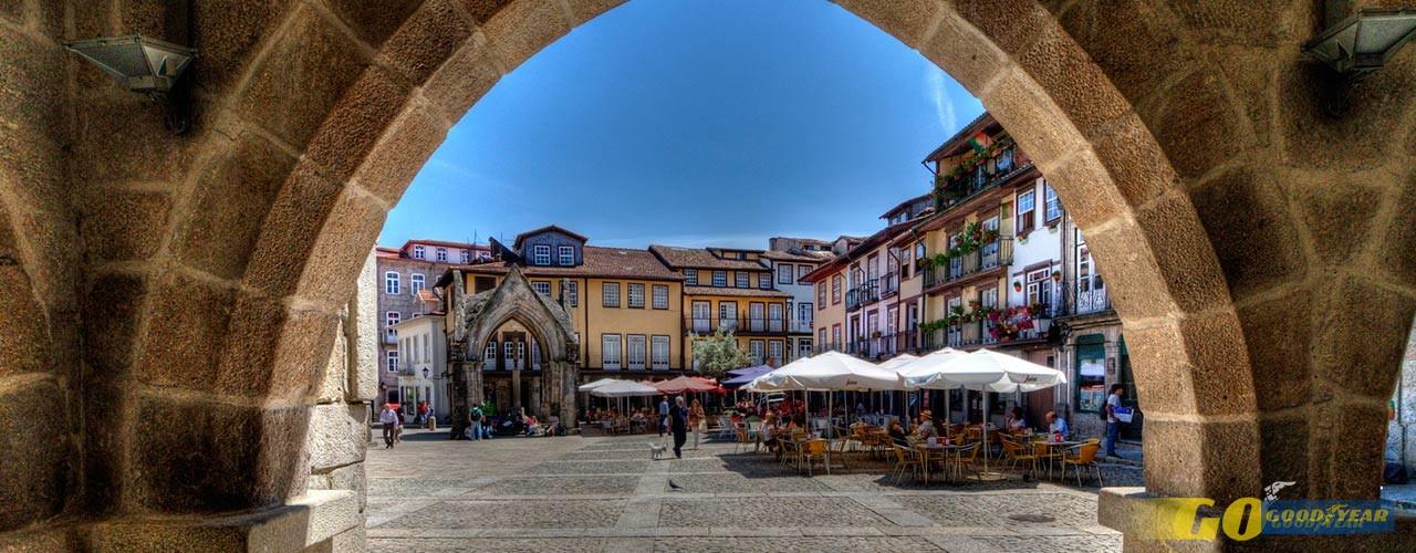Praça Santiago em Guimarães