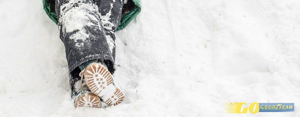 criancas-neve-esquiar
