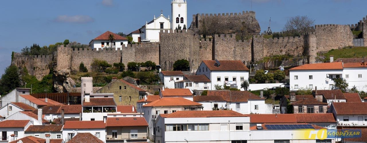"""""""Na Beira vivia um magriço num castelo"""""""
