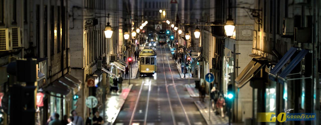 Fernando Pessoa Pelas Ruas Da Baixa De Lisboa Quilometrosquecontam