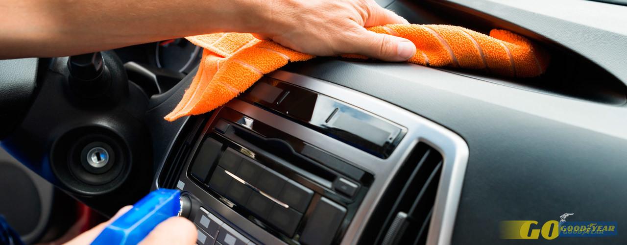 Limpeza de interiores: dicas para ter o carro impecável